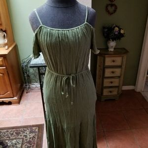 Olive green maxi dress w/cold shoulder